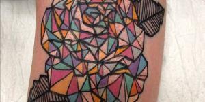 Rosa formada con triangulos