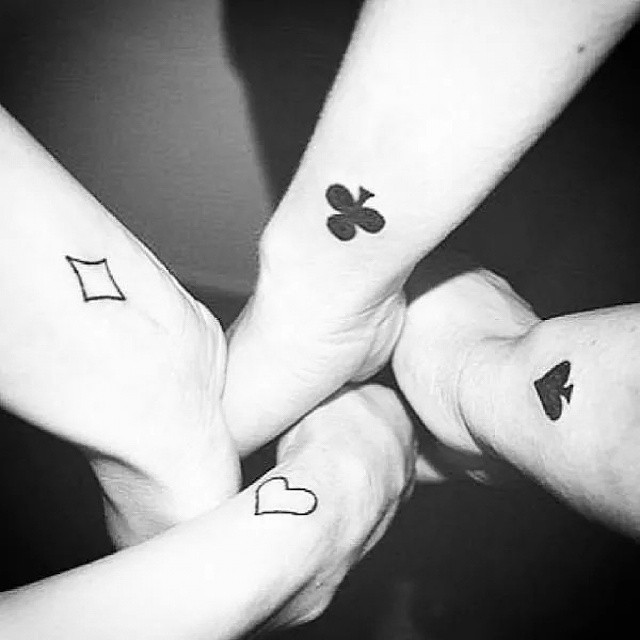 Trebol Tatuaje corazón, trébol, rombo - tatuajes para mujeres