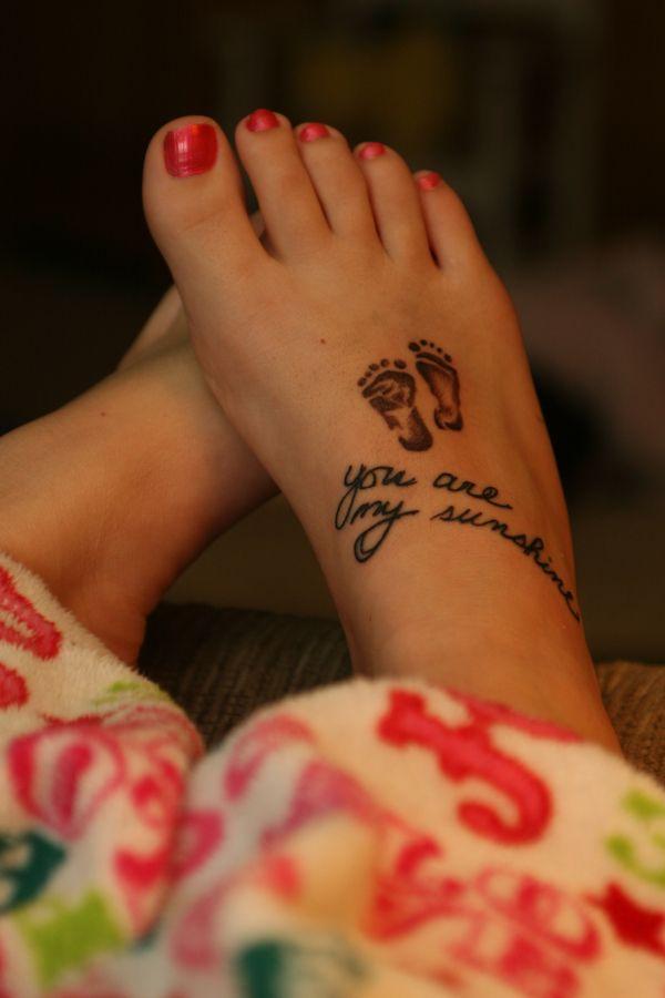 Huella Bebé y Frase - Tatuajes para Mujeres