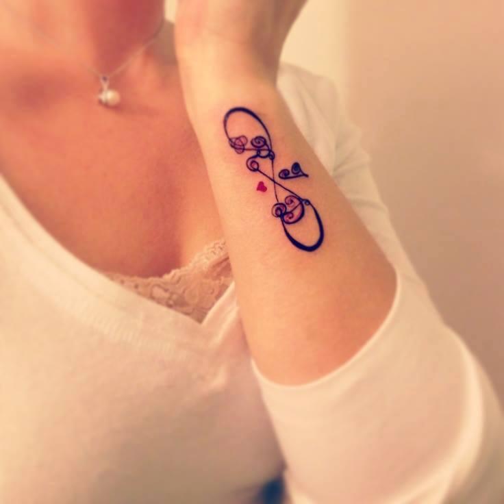 Signo Infinito E Iniciales Nombre Y Corazón Tatuajes Para Mujeres