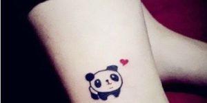 Oso Panda con Corazón Rojo