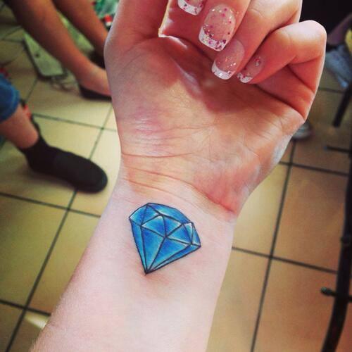Diamante Azul Tatuajes Para Mujeres
