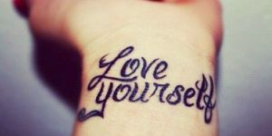Frase: Love Yourself