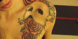 Máscara de Teatro y Rosas