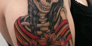 Catrina Mexicana con Flores