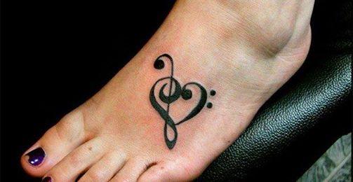 Corazón Formado Con Clave De Sol Y Fa Tatuajes Para Mujeres