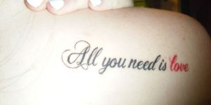 Frase: All you need is love