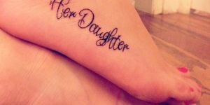 Frase: Her daughter – Her mother