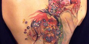Mujeres y Esferas de colores