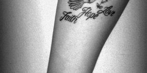 Ave y Frase: Faith, Hope, Love