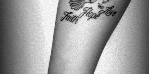Ave y Frase: Faith, Hope, Love