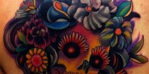 Calavera con Cabello de Flores