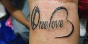 Frase: One Love + Corazón + Paz
