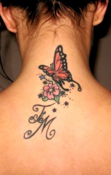 Mariposa Flor E Inicial De Nombre Tatuajes Para Mujeres