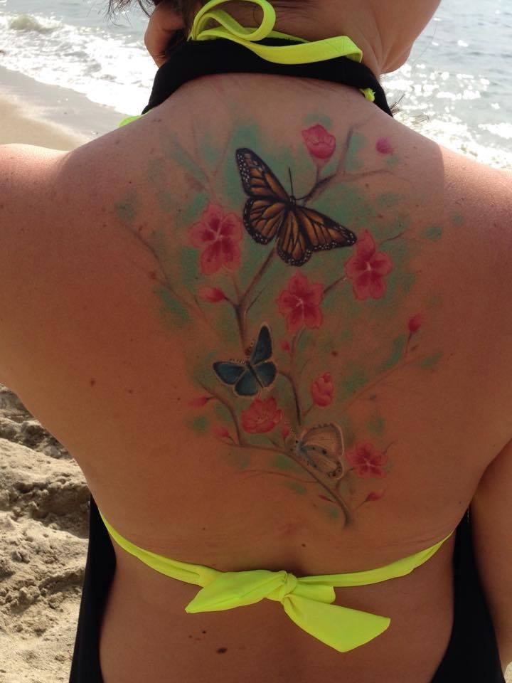 Mariposas Y Flores De Cerezo Tatuajes Para Mujeres