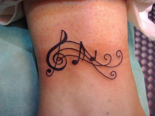Clave de Sol, Pentagrama y Notas Musicales - Tatuajes para Mujeres