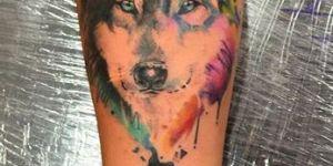 Lobo y Luna en Acuarelas by Javi Wolf
