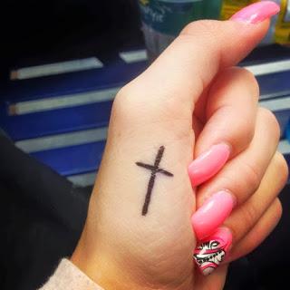 Cruz Tatuajes Para Mujeres