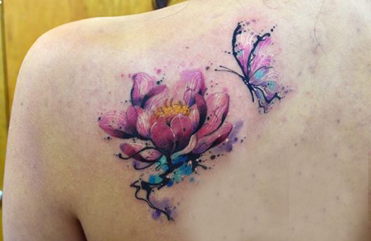 Flor Y Mariposa En Acuarelas By Javi Wolf Tatuajes Para Mujeres