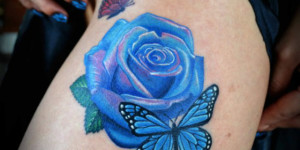 Flor Rosa Azul y Mariposas en 3D