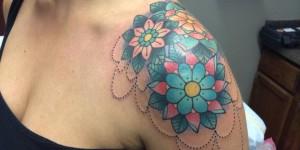 Flores Mandalas by Alex Strangler
