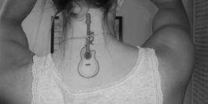 Guitarra con Iniciales de Nombre