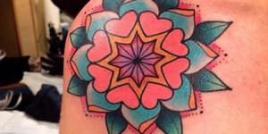 Mandala Flor by Alex Strangler
