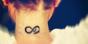 Signo Infinito & Frase: Love