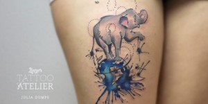 Elefante sobre el Mundo by Julia Dumps