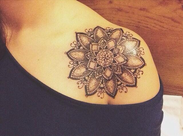 Mandala Con Plantas Tatuajes Para Mujeres