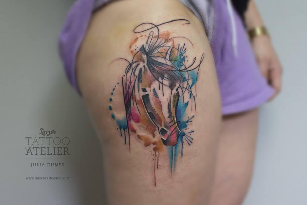 Tatuaje Caballo caballo estilo acuarelasjulia dumps - tatuajes para mujeres