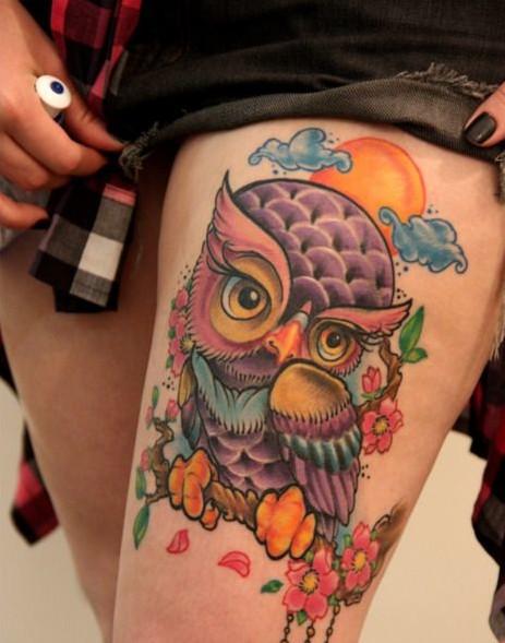 Buho Sobre Flores De Cerezo Tatuajes Para Mujeres