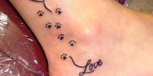 Frase: Love, Huellas y Corazón