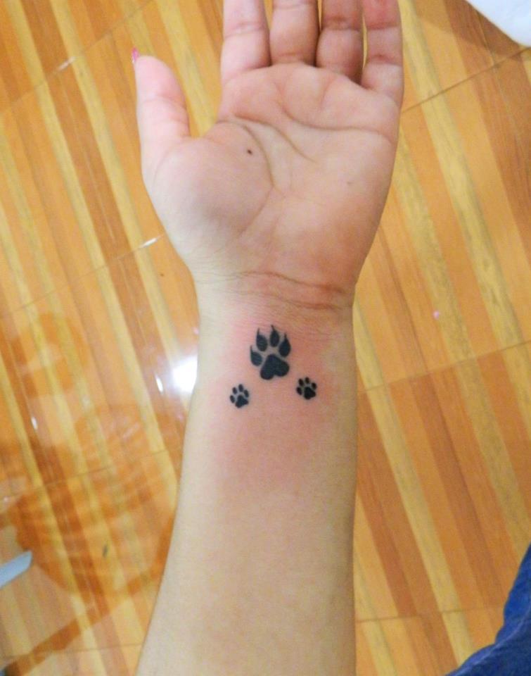 Huellas De Perro By Javi Wolf Tatuajes Para Mujeres