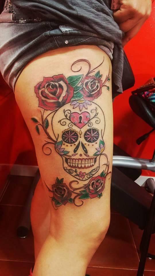 Calavera Y Flores Rosas Tatuajes Para Mujeres