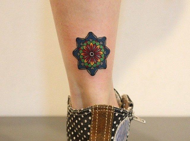 Mandala De Colores Tatuajes Para Mujeres