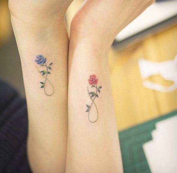 Signo Infinito De Flores Rosas Tatuajes Para Mujeres