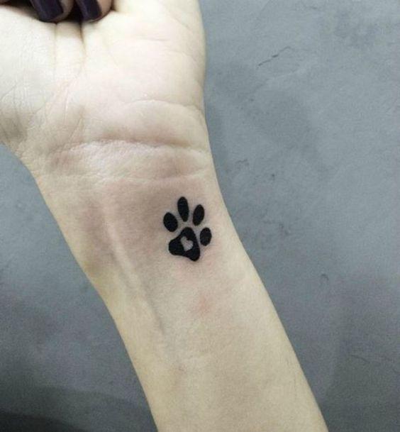 Tatuaje Huella Perro Con Inicial Sfb