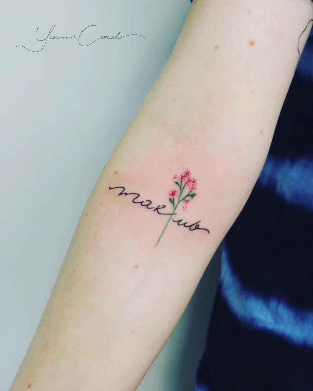 Nombre Y Flor Por Yasmin Coiado Tatuajes Para Mujeres