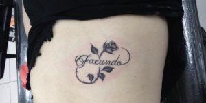 Signo Infinito formado por Flor y Nombre