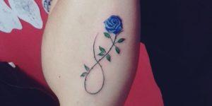 Símbolo Infinito y Flor Rosa