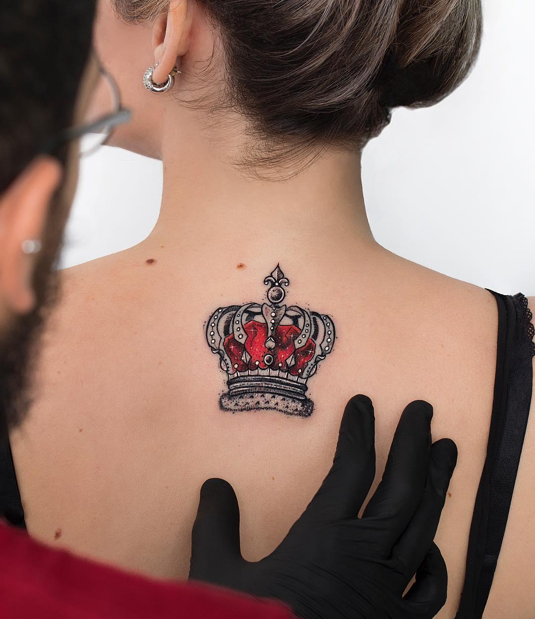 Corona Roja Tatuajes Para Mujeres