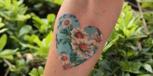 Corazón lleno de flores