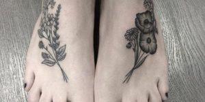 Flores en los pies