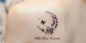 Mariposa revoloteandole a la luna por Graffittoo Tattoo Studio