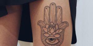 Mano de Hamsa con Flor de loto