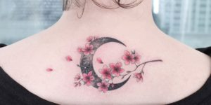 Luna y flores de cerezo por Tattooist Greem