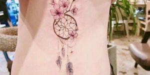 Atrapasueños con flores de cerezo