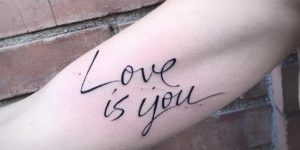 Frase: Love is you por Michele Mercuri