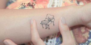 Piano por Luciana Periard Art Efeito